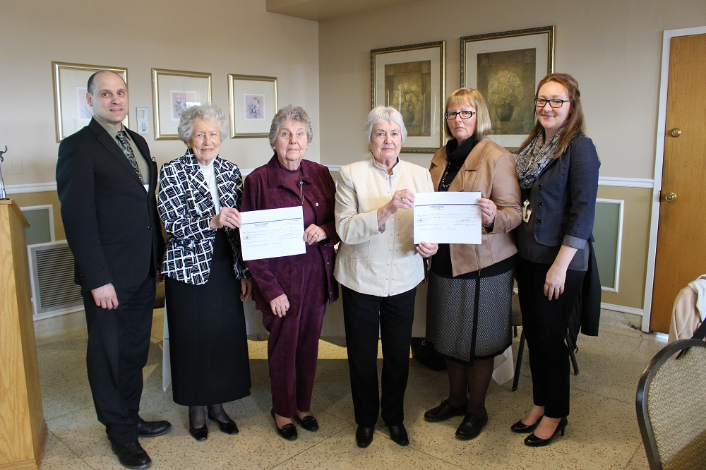 Hospital accepts donation from Auxiliary